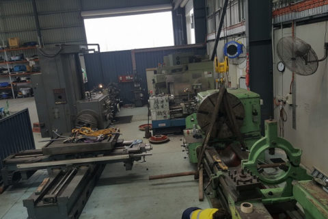 Install and level Horizontal Borer and Lathes